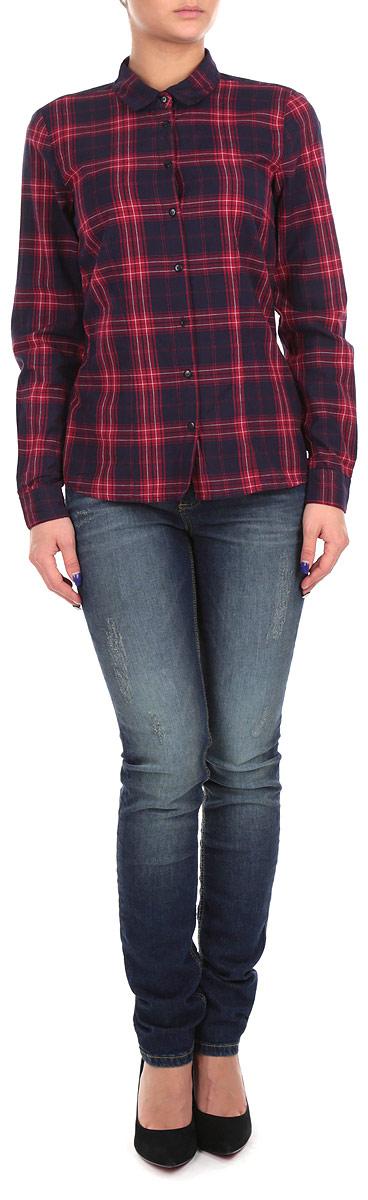SKL1822CEСтильная клетчатая рубашка Top Secret, выполненная из мягчайшей хлопковой ткани, станет достойной вещью в гардеробе современной девушки. Модель с длинными рукавами, отложным воротником и полукруглым низом застегивается на пуговицы по всей длине изделия. Отличный выбор на каждый день.