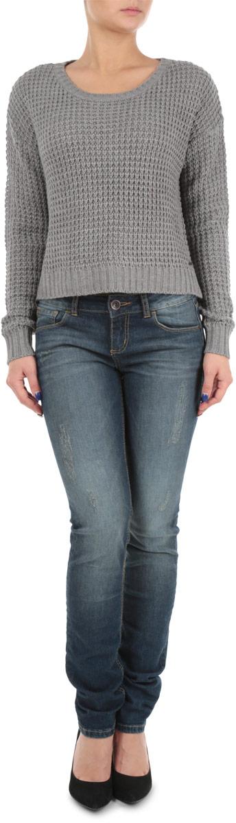 Пуловер женский. 6010106360101063 690Стильный женский пуловер Broadway, изготовленный из высококачественной акриловой пряжи, не сковывает движения, обеспечивая наибольший комфорт. Модель с круглым вырезом горловины и длинными рукавами великолепно сидит, а однотонная расцветка прекрасно сочетается с любыми нарядами. Низ, манжеты и вырез горловины пуловера связаны резинкой. Пуловер крупной вязки поможет вам создать стильный современный образ в стиле Casual. Этот теплый и комфортный пуловер станет отличным дополнением к вашему гардеробу. В нем вы всегда будете чувствовать себя уютно в прохладное время года.