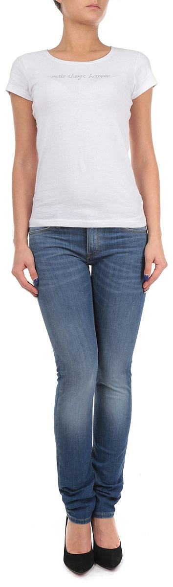 Джинсы женские Jade. L331L331OGESСтильные женские джинсы Lee - одна из самых известных моделей, стала в новом сезоне еще лучше. Основными деталями этой линейки стала отделка молниями, а также новые формы карманов, что придает коллекции невероятно яркое настроение. Модель зауженного кроя, изготовленная из высококачественного материала, не сковывает движения. Застегиваются джинсы на пуговицу и ширинку на застежке-молнии, имеются шлевки для ремня. Спереди модель оформлены двумя втачными карманами и одним небольшим секретным кармашком, а сзади - двумя накладными карманами. Эти модные и в тоже время комфортные джинсы послужат отличным дополнением к вашему гардеробу. В них вы всегда будете чувствовать себя уютно и комфортно.