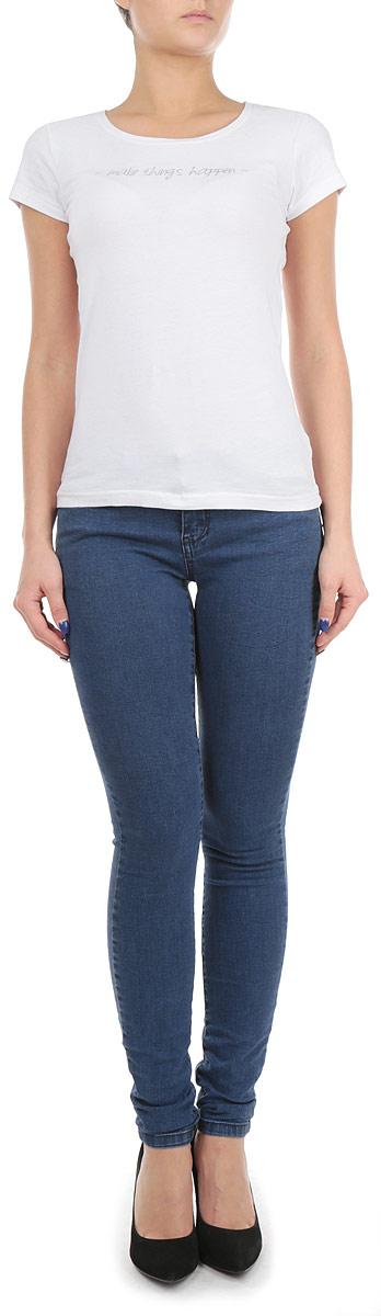 Джинсы женские. 6010171960101719 520Стильные женские джинсы Broadway созданы специально для того, чтобы подчеркивать достоинства вашей фигуры. Модель зауженного книзу кроя и заниженной посадки станет отличным дополнением к вашему современному образу. Джинсы застегиваются на пуговицу в поясе и ширинку на застежке-молнии, имеются шлевки для ремня. Джинсы имеют классический пятикарманный крой: спереди модель оформлены двумя втачными карманами и одним маленьким накладным кармашком, а сзади - двумя накладными карманами. Эти модные и в тоже время комфортные джинсы послужат отличным дополнением к вашему гардеробу.
