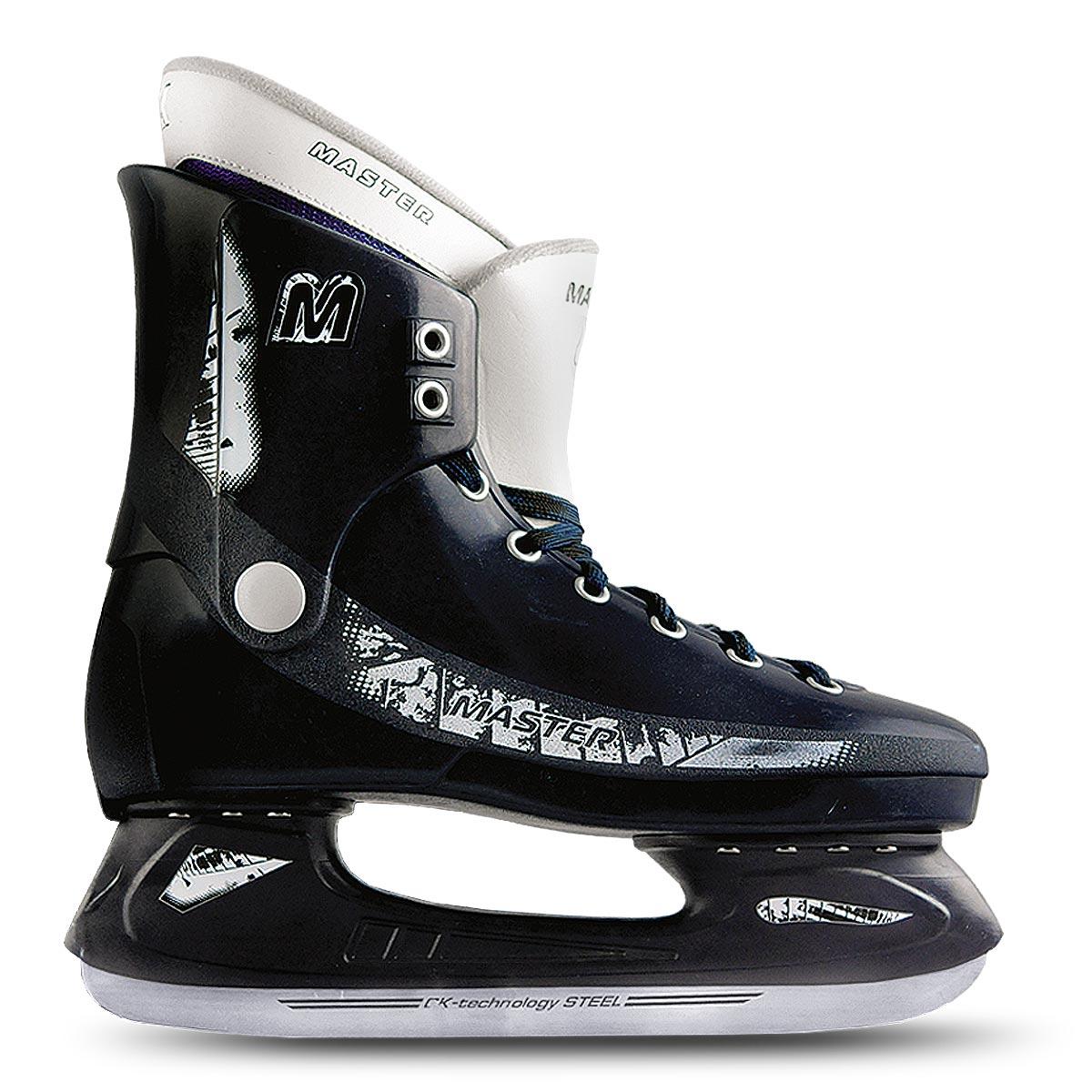 Коньки хоккейные мужские Master DeluxeMASTER deluxeСтильные коньки от CK Master Deluxe с ударопрочной защитной конструкцией отлично подойдут для начинающих обучаться катанию. Ботинки изготовлены из морозостойкого полимера, который защитит ноги от ударов. Верх изделия оформлен классической шнуровкой, надежно фиксирующей голеностоп. Сапожок, выполненный из комбинации капровелюра и искусственной кожи, оформлен принтом и тиснением в виде логотипа бренда. Внутренняя поверхность, дополненная утеплителем, и стелька исполнены из текстиля. Фигурное лезвие изготовлено из нержавеющей легированной стали со специальным покрытием, придающим дополнительную прочность. Усиленная двух-стаканная рама декорирована с одной из боковых сторон оригинальным принтом. Стильные коньки придутся вам по душе. Уважаемые клиенты, обращаем ваше внимание на тот факт, что модель маломерит: при заказе выбирайте размер на 1-2 превышающий ваш собственный.