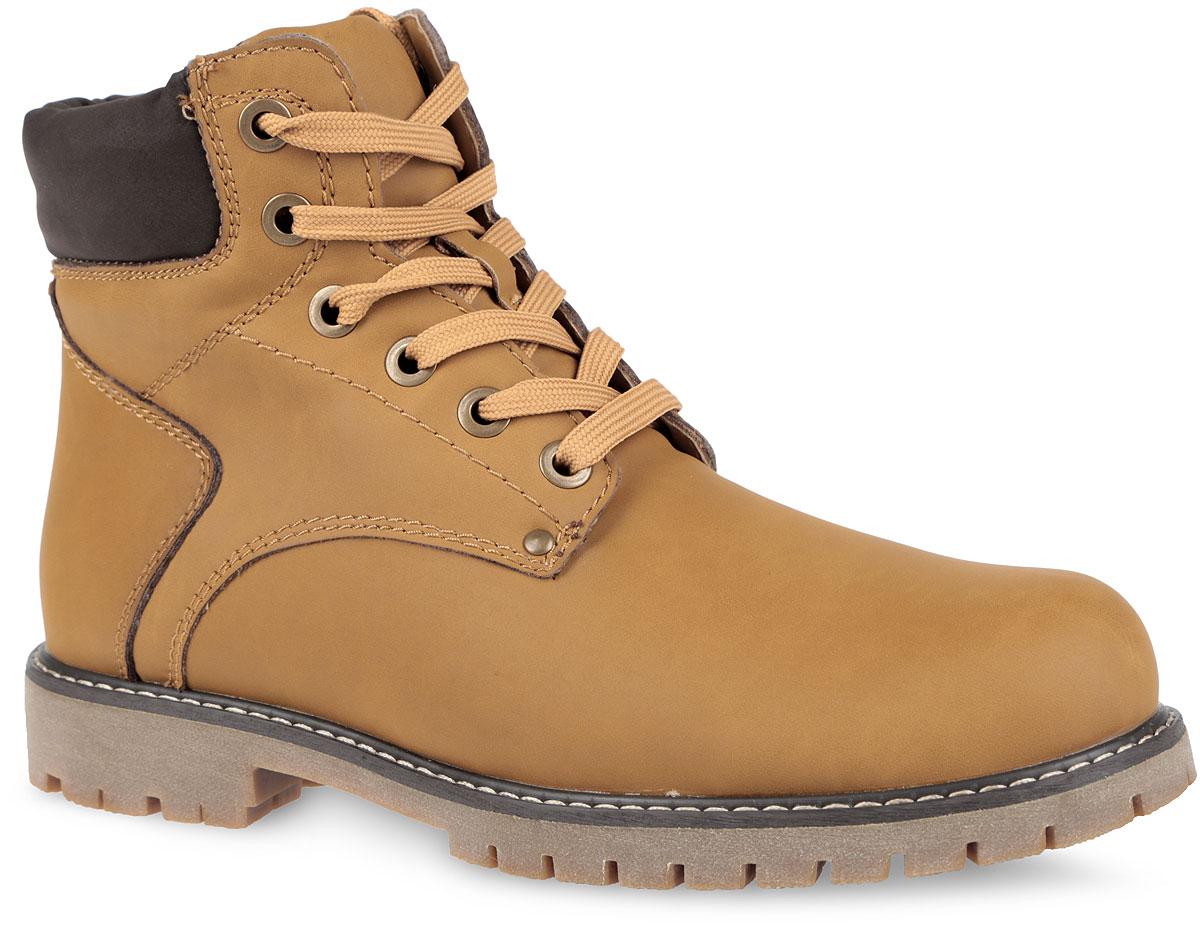 Ботинки мужские. 858206/01-05858206/01-05Оригинальные мужские ботинки от Keddo заинтересуют вас своим дизайном с первого взгляда! Модель выполнена из искусственного нубука и оформлена контрастной прострочкой вдоль ранта. Подкладка и стелька, выполненные на 30% из натуральной шерсти и на 70% из полиэстера, не дадут ногам замерзнуть. Удобная шнуровка надежно фиксирует модель на стопе. Каблук и подошва с рельефным протектором обеспечивают отличное сцепление на любой поверхности. В этих ботинках вашим ногам будет комфортно и уютно.
