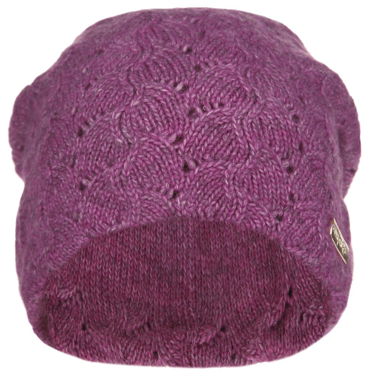 Шапка женская Джулия. 21025A21025AВязаная женская шапка Dispacci Джулия отлично подойдет для вас в холодную погоду. Изготовленная из высококачественной итальянской пряжи с содержанием шерсти, она мягкая и приятная на ощупь, обладает хорошими дышащими свойствами и максимально удерживает тепло. Удлиненная модель шапки идеально подходит для любого типа лица и никогда не выходит из моды. Изделие оформлено вязаным рисунком. Декорирована шапка небольшой металлической пластиной с названием бренда. Шапка не только теплый головной убор, но и изящный аксессуар. Она подчеркнет ваш стиль и индивидуальность! Уважаемые клиенты! Размер, доступный для заказа, является обхватом головы.