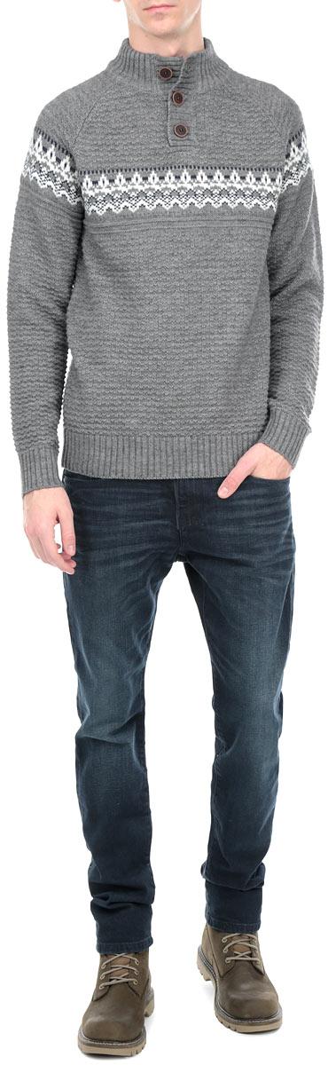10153086 557Мужской свитер Broadway, изготовленный из высококачественной пряжи, мягкий и приятный на ощупь, не сковывает движений и обеспечивает наибольший комфорт. Модель мелкой фактурной вязки с воротником-стойкой и длинными рукавами. Манжеты рукавов, низ и воротник свитера дополнены эластичными резинками. Такой замечательный свитер - базовая вещь в гардеробе современного мужчины, желающего выглядеть элегантно каждый день!