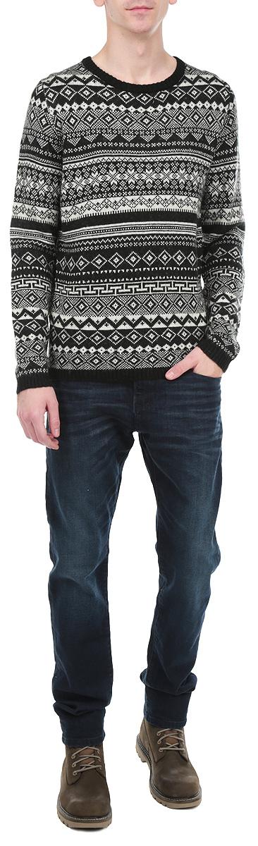 Свитер мужской. 3019913.00.123019913.00.12_2999Теплый мужской свитер Tom Tailor Denim, выполненный из полиакрила с добавлением шерсти и мохера, необычайно мягкий и приятный на ощупь, не сковывает движения, обеспечивая наибольший комфорт. Модель с круглым вырезом горловины и длинными рукавами идеально гармонирует с любыми предметами одежды и будет уместна и на отдыхе, и на встрече с друзьями. Горловина, низ и манжеты изделия связаны двойной резинкой, что предотвращает деформацию при носке. Свитер с орнаментом декорирован в нижней части нашивкой с логотипом бренда. Мягкий и уютный свитер станет прекрасным дополнением вашего гардероба.