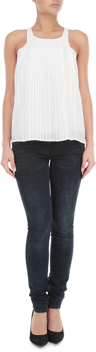 Блузка10154024 001Потрясающая женская блузка Broadway на бретельках, выполненная из легкого полиэстера на тонкой подкладке, станет замечательным дополнением к вашему гардеробу. Невесомый материал обеспечит вам не только комфорт, но и придаст вашему образу легкость и романтичность. Лицевая сторона с эффектом плиссе. Модель застегивается по среднему шву спинки на пуговку. Стильная блузка станет прекрасной составляющей вашего гардероба.