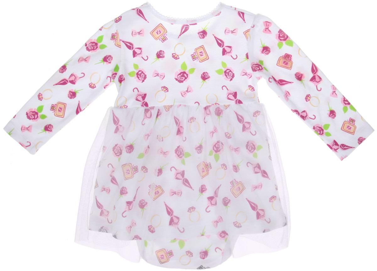 Боди-платье для девочки. ZBG 13251-W0ZBG 13251-W0Боди-платье для девочки Free Age послужит идеальным дополнением к гардеробу малышки. Изделие изготовлено из натурального хлопка, оно мягкое и приятное на ощупь, не сковывает движения и позволяет коже дышать, не раздражает нежную и чувствительную кожу ребенка, обеспечивая наибольший комфорт. Боди-платье с круглым вырезом горловины и длинными рукавами имеет застежки-кнопки по плечевому шву и на ластовице, что позволит легко переодеть малышку или сменить подгузник. Вырез горловины оформлен трикотажной бейкой с ажурными петельками по краю. На талии изделие дополнено вшитой двойной юбочкой, верхний слой которой выполнен из мягкой микросетки. Модель с оригинальным принтом по всей поверхности украшена на поясе декоративным элементом в виде розочки. Боди полностью соответствует особенностям жизни малютки в ранний период, не стесняя и не ограничивая ее в движениях. В нем вашей маленькой принцессе будет очень удобно и комфортно, и всегда будет в центре внимания!