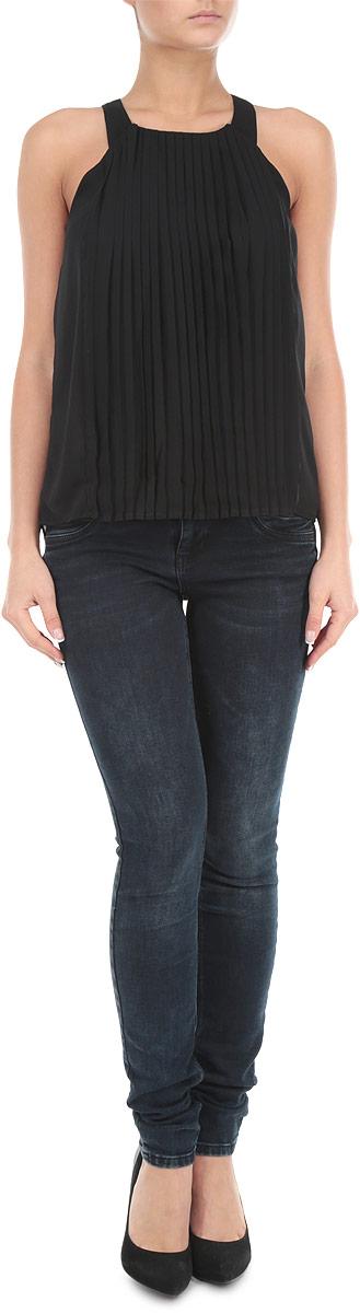 Блузка женская. 1015402410154024 001Потрясающая женская блузка Broadway на бретельках, выполненная из легкого полиэстера на тонкой подкладке, станет замечательным дополнением к вашему гардеробу. Невесомый материал обеспечит вам не только комфорт, но и придаст вашему образу легкость и романтичность. Лицевая сторона с эффектом плиссе. Модель застегивается по среднему шву спинки на пуговку. Стильная блузка станет прекрасной составляющей вашего гардероба.