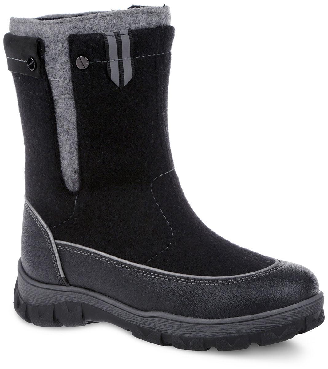 Валенки для мальчика. 6-6125515016-612551501Модные и невероятно теплые валенки от Elegami согреют ножки вашего мальчика в лютые морозы! Модель выполнена из войлока и оформлена контрастной прострочкой. Застежка-молния, расположенная сбоку, позволяет регулировать объем голенища и защищает обувь от попадания снега. Светоотражающие элементы отвечают за дополнительную безопасность в темное время суток. Специальные накладки вдоль подошвы обеспечивают непромокаемость и защиту от истирания. Подкладка и стелька из шерстяной байки создают надежную теплозащиту. Морозостойкая подошва с антифрикционными свойствами гарантирует идеальное сцепление на любой поверхности. Удобные и теплые валенки - необходимая вещь в гардеробе каждого ребенка.