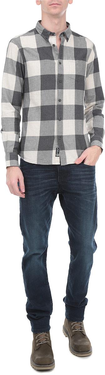 Рубашка10154071 02BМужская рубашка Broadway, выполненная из высококачественного 100% хлопка, обладает высокой теплопроводностью, воздухопроницаемостью и гигроскопичностью, позволяет коже дышать, тем самым обеспечивая наибольший комфорт при носке. Модель классического кроя с отложным воротником застегивается на пуговицы. Длинные рукава рубашки дополнены манжетами на пуговицах. На груди расположен открытый накладной карман. Рубашка оформлена актуальным принтом в клетку. Такая рубашка подчеркнет ваш вкус и поможет создать великолепный стильный образ.