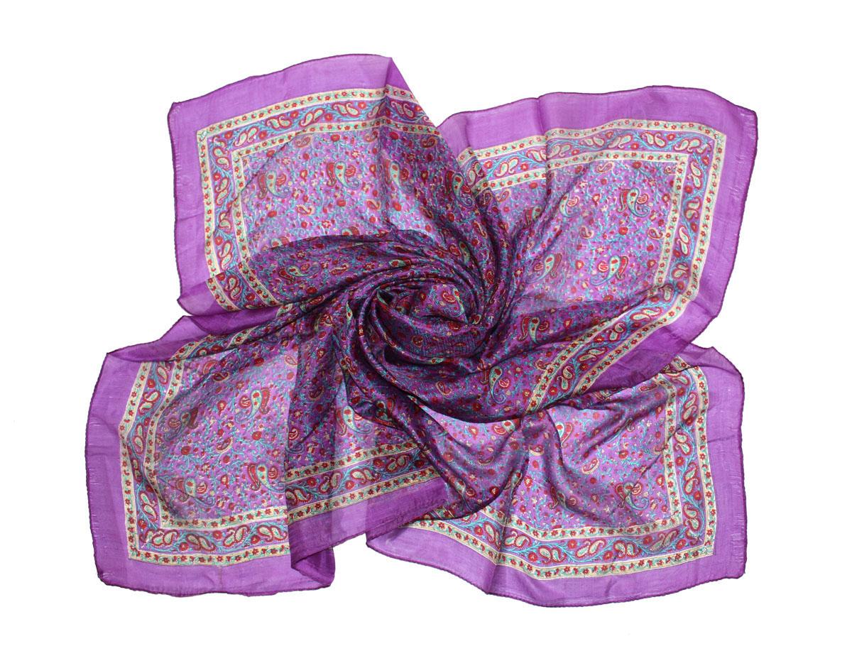 Платок женский. 522135н522135нПлаток Ethnica, выполненный из 100% шелка, гармонично дополнит образ современной женщины. Благодаря своему составу, он легкий, мягкий и приятный на ощупь. Края платка оформлены прострочкой. Классическая квадратная форма позволяет носить платок на шее, украшать им прическу или декорировать сумочку. С таким платком вы всегда будете выглядеть женственно и привлекательно.