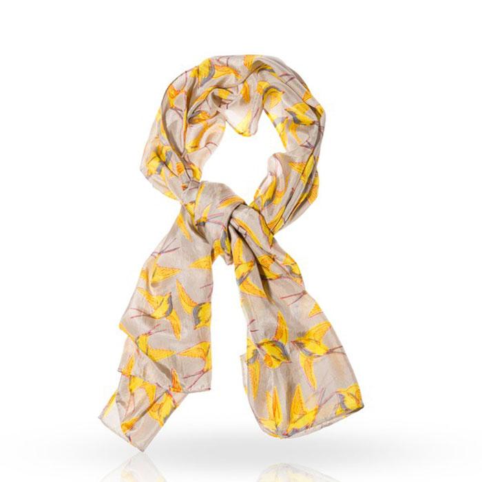 ШарфSP-DOVE/BEIGEСтильный шарф Michel Katana согреет вас в прохладную погоду и станет отличным завершением вашего образа. Шарф изготовлен из 100%-го шелка и оформлен оригинальным принтом в виде порхающих ласточек . Материал мягкий и приятный на ощупь, хорошо драпируется. Этот модный аксессуар гармонично дополнит любой наряд и подчеркнет ваш изысканный вкус.
