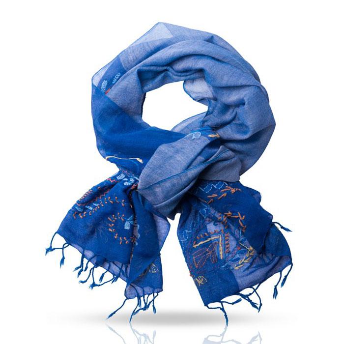 ПалантинZW.EMB/GREYОчаровательный палантин Michel Katana подчеркнет ваш неповторимый образ. Изделие выполнено из высококачественной шерсти и оформлено оригинальной ручной вышивкой. Палантин очень мягкий и приятный на ощупь, хорошо драпируется. Размер этого палантина позволяет уютно закутаться в него прохладным вечером. Этот модный аксессуар женского гардероба гармонично дополнит образ современной женщины, следящей за своим имиджем и стремящейся всегда оставаться стильной и элегантной.