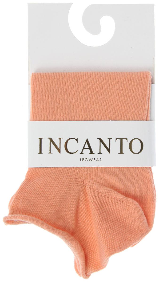 Носки женские Collant. IBD731001IBD731001_BiancoЖенские носки Incanto Collant с невысоким паголенком изготовлены из высококачественного сырья. Носки очень мягкие на ощупь, а резинка плотно облегает ногу, не сдавливая ее, благодаря чему вам будет комфортно и удобно. Усиленная пятка и мысок обеспечивают надежность и долговечность.