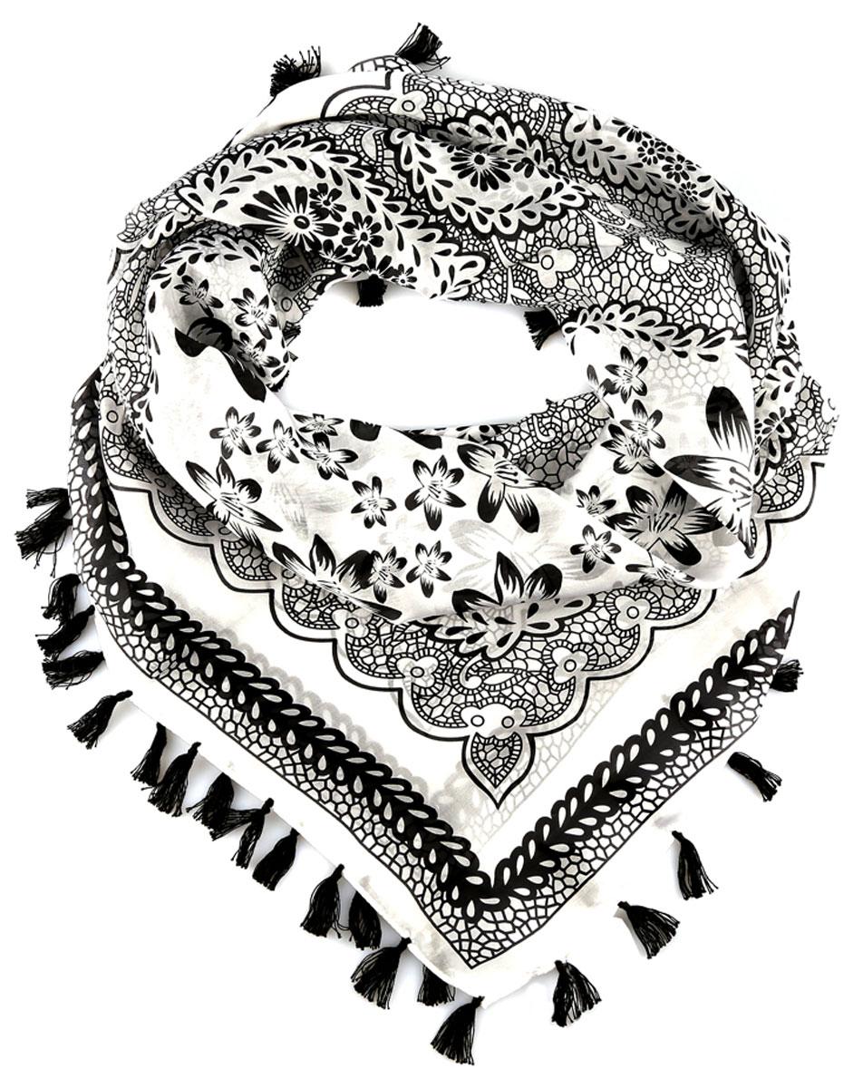 ПлатокBUT01-2Стильный женский платок Leo Ventoni станет великолепным завершением любого наряда. Легкий платок изготовлен из высококачественного 100% шелка. Он оформлен оригинальным цветочным узором и дополнен кистями по краю. Классическая квадратная форма позволяет носить платок на шее, украшать им прическу или декорировать сумочку. Мягкий и шелковистый платок поможет вам создать изысканный женственный образ, а также согреет в непогоду. Такой платок превосходно дополнит любой наряд и подчеркнет ваш неповторимый вкус и элегантность.