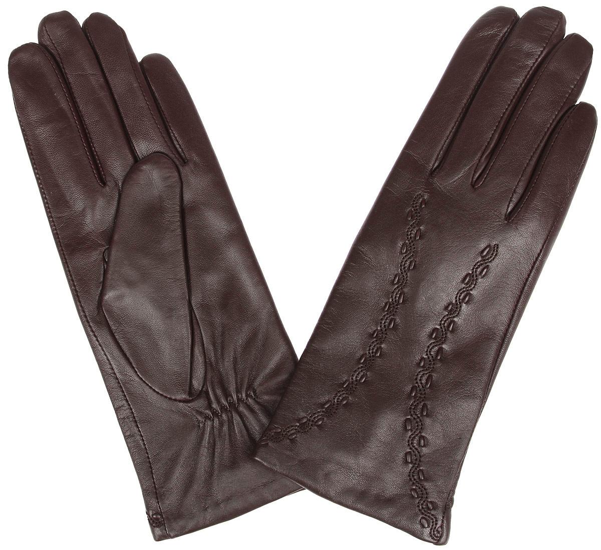 2.6-11s blueСтильные женские перчатки Fabretti не только защитят ваши руки от холода, но и станут великолепным украшением. Перчатки выполнены из эфиопский кожи ягненка с подкладкой из шерсти и кашемира. Модель декорирована оригинальной прострочкой. В настоящее время перчатки являются неотъемлемой частью гардероба, вместе с этим аксессуаром вы обретаете женственность и элегантность. Перчатки станут завершающим и подчеркивающим элементом вашего стиля и неповторимости.
