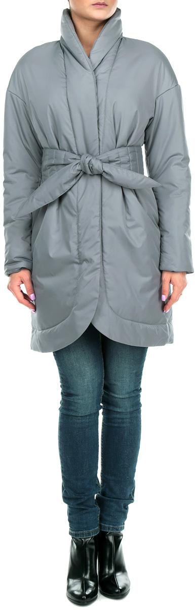 Куртка женская. J01P4-GJ01P4-GСтильная женская куртка Анна Чапман отлично согреет вас в прохладную погоду. Модель приталенного кроя подчеркнет женственную фигуру. Идеальную посадку куртки обеспечивают тонко выверенные выточки. Модель застегивается на металлические кнопки. По бокам изделие дополнено двумя втачными карманами. В комплекте - двусторонний пояс-кушак. В этой модели вы будете чувствовать себя комфортно при температуре до - 15°С.