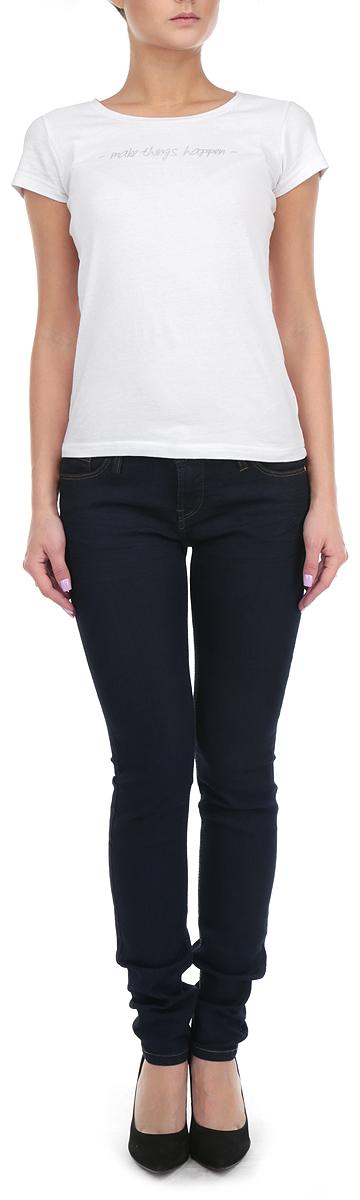 Джинсы женские. 1015217410152174 53AСтильные женские джинсы Broadway - джинсы высочайшего качества на каждый день, которые прекрасно сидят. Модель зауженного к низу кроя и средней посадки изготовлена из высококачественного хлопка с добавлением полиэстера и эластана. Изделие оформлено контрастной отстрочкой. Застегиваются джинсы на пуговицу в поясе и ширинку на молнии, имеются шлевки для ремня. Спереди модель оформлены двумя втачными карманами и одним небольшим секретным кармашком, а сзади - двумя накладными карманами. Эти модные и в тоже время комфортные джинсы послужат отличным дополнением к вашему гардеробу. В них вы всегда будете чувствовать себя уютно и комфортно.