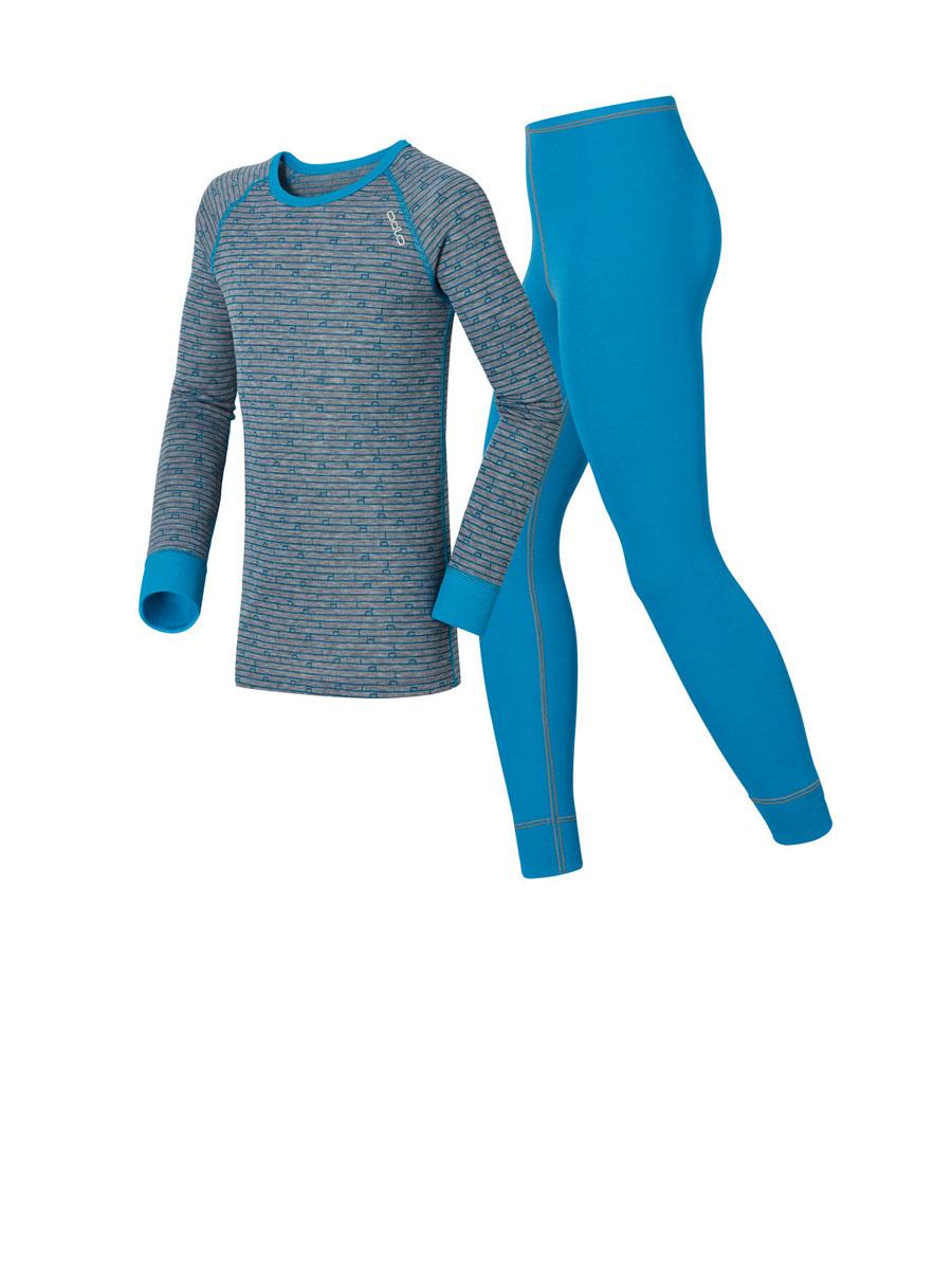 Термобелье комплект (брюки и кофта)150409_15147Детский комплект термобелья Odlo Warm, состоящий из футболки с длинным рукавом и брюк, изготовлен из высококачественного материала - 100% полиэстера, он идеально подойдет для ребенка в холодную погоду. Изнаночная сторона комплекта выполнена из мягкого флиса с начесом, обладающего высоким уровнем влаговыведения и термоизоляции. Образование неприятного запаха пота предотвращается благодаря Effect by Odlo. Футболка с длинными рукавами-реглан и круглым вырезом горловины дополнена удлиненной спинкой и оформлена оригинальным принтом. Рукава дополнены широкими трикотажными манжетами. Рейтузы прямого покроя на талии имеют неширокую эластичную резинку. Низ штанин дополнен широкими трикотажными манжетами. Идеально при температуре от -10°C до +15°C.