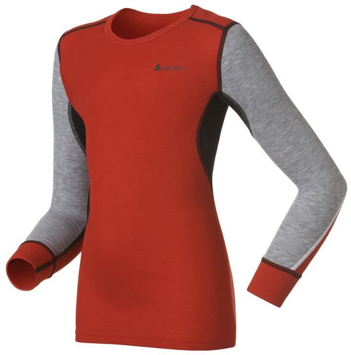 Термобелье футболка с длинным рукавом детская Kids Warm. 150429150429_20990Зима - это весело, если правильно одеться! В футболке с длинным рукавом Odlo Kids Warm вашему ребенку будет тепло и комфортно. Изготовленная из 100% полиэстера, она испаряет влагу, оставляя кожу сухой, даже если ребенок потеет, делая упражнения или играя на свежем воздухе. Лицевая сторона гладкая, а изнаночная - с мягким теплым начесом. Благодаря высокому уровню выведения влаги, поверхность кожи остается сухой, предотвращая переохлаждения организма. Мягкие, плоские, смещенные и практически не заметные швы, сохраняют ощущение комфорта. Благодаря Effect by Odlo, ткань предотвращает образование неприятных запахов. Наличие функциональных зон позволяет поддерживать воздухообмен на высоком уровне. Лицевая сторона гладкая, а изнаночная - с мягким теплым начесом. Футболка с длинными рукавами и круглым вырезом горловины спереди оформлена небольшой термоаппликацией в виде светоотражающего логотипа бренда. Рукава дополнены широкими эластичными манжетами. Рекомендуемый температурный...