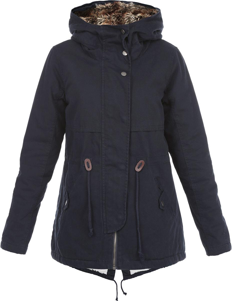 ПаркаZ-KU-1803 NAVYСтильная женская куртка-парка Moodo подходит для прохладной погоды. Парка с несъемным капюшоном на и длинными рукавами застегивается на металлическую застежку- молнию и дополнительно имеет внешнюю ветрозащитную планку на кнопках. Внутренняя часть капюшона отделана искусственным мехом. Спереди модель дополнена двумя втачными карманами. Куртка с внешней стороны на талии оформлена текстильным шнуром. Эта теплая стильная куртка послужит отличным дополнением к вашему гардеробу!