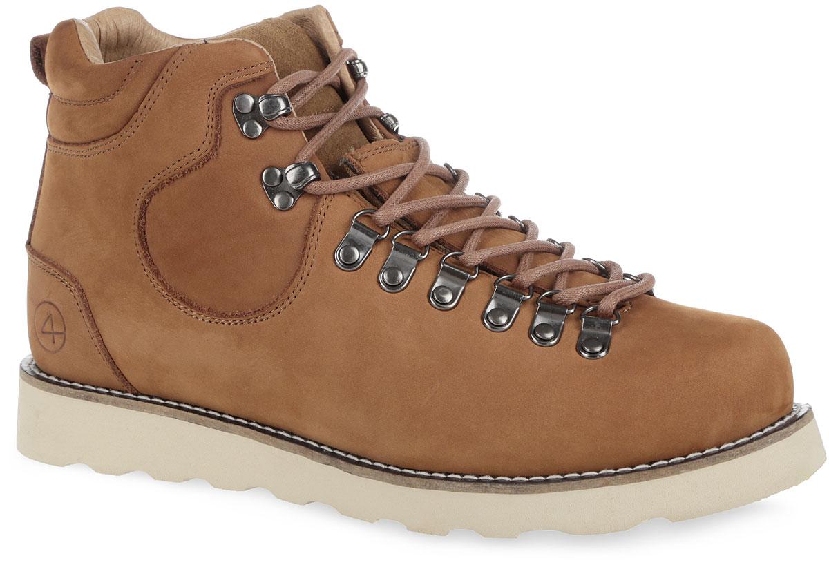 Ботинки мужские Novosibirsk. 003-NS-0003-NS-05N6-WСтильные мужские ботинки от Affex Novosibirsk займут достойное место в вашем гардеробе. Модель выполнена из натурального нубука и дополнена светлой прострочкой вдоль ранта. Верх изделия оформлен шнуровкой, которая надежно фиксирует обувь на ноге и регулирует объем. Отверстия для шнурков из металлических петелек. С задней стороны изделие дополнено наружным ремешком и ярлычком для более удобного надевания обуви. Подкладка и съемная стелька, исполненные из искусственной шерсти, защитят ноги от холода и обеспечат комфорт. Задник декорирован тиснением в виде логотипа бренда. Подошва с рельефным протектором обеспечивает отличное сцепление с любой поверхностью. В комплект входит вторая пара шнурков контрастного цвета. Модные ботинки отлично подойдут как для простой прогулки, так и для дальней поездки.