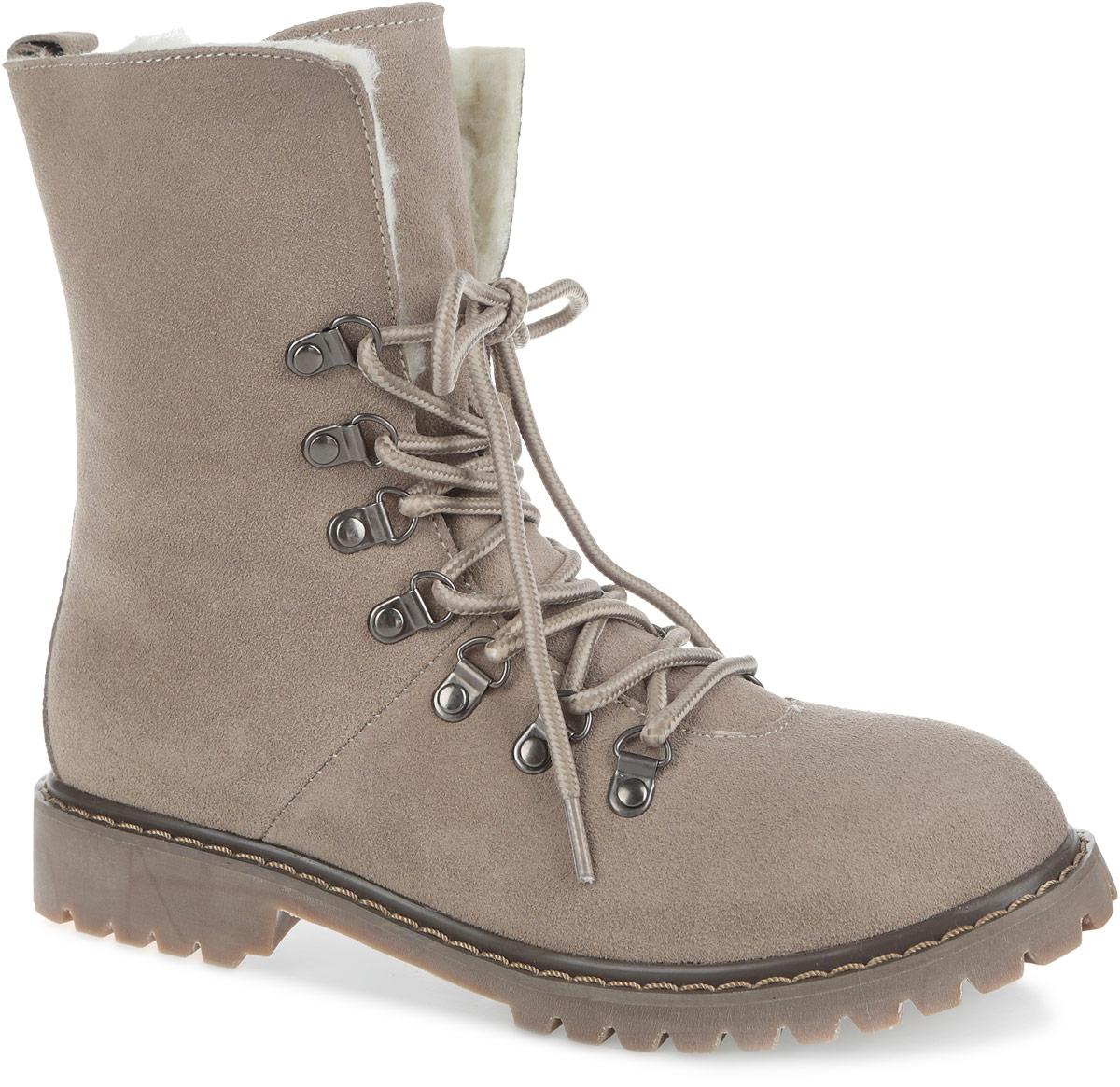 Ботинки женские. 180-1180-11Высокие женские ботинки от Nobbaro придутся по душе любой моднице. Модель выполнена из натурального спилока. Шнуровка надежно фиксирует обувь на ноге. Подкладка и стелька, выполненные из натуральной шерсти, сохранят ваши ноги в тепле. Ярлычок на заднике облегчает обувание модели. Каблук и подошва с рельефной поверхностью обеспечивают отличное сцепление с поверхностью. Такие ботинки отлично подойдут для повседневного использования и подчеркнут ваш стиль и индивидуальность.