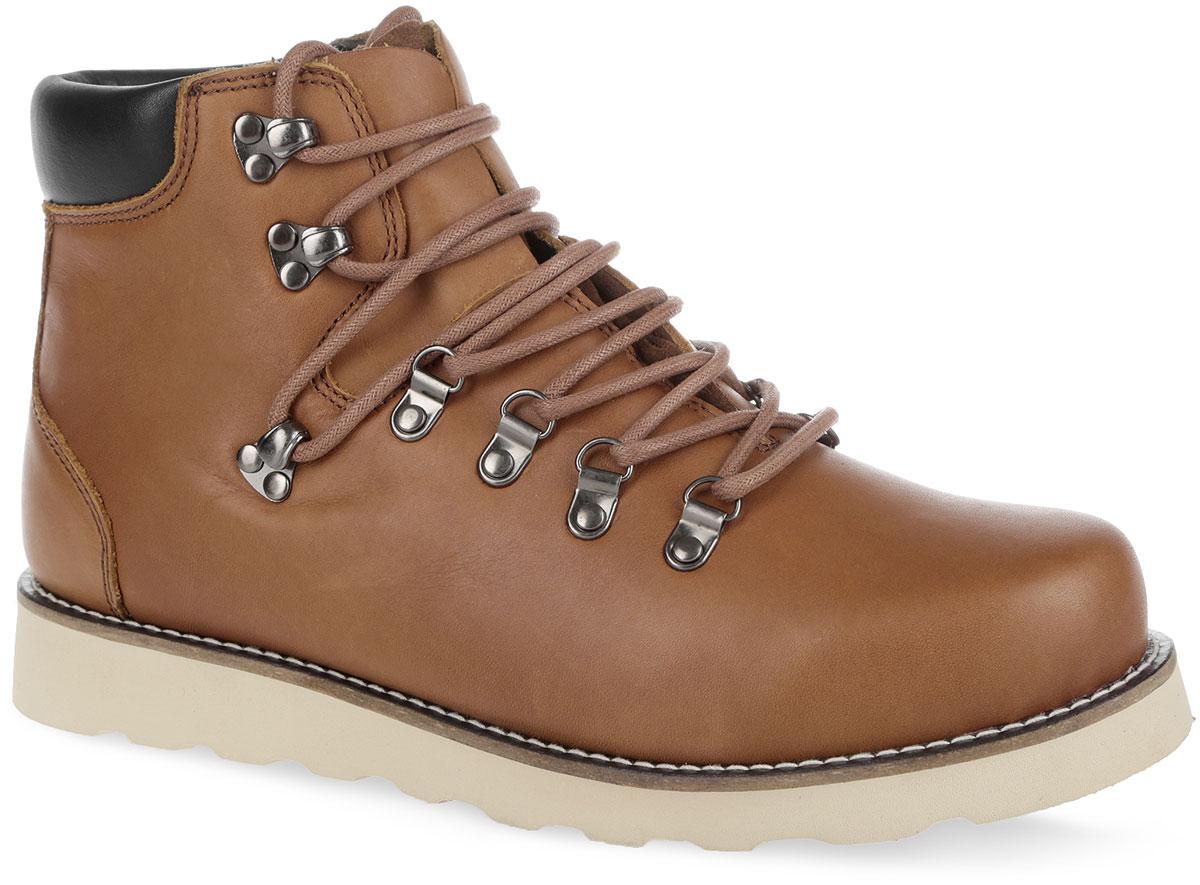 Ботинки мужские C.R.E.A.M. 003-CR-O2L2-W003-CR-O2L2-WСтильные мужские ботинки от Affex покорят вас своим удобством. Модель выполнена из натуральной кожи. Шнуровка надежно фиксирует модель на ноге. Модель оформлена вдоль ранта контрастной прострочкой, на заднике - фирменным тиснением. Подкладка и стелька из натуральной шерсти сохранят ваши ноги в тепле. В комплект входят дополнительные шнурки. Подошва с рельефным протектором обеспечивает отличное сцепление на любой поверхности. В таких ботинках вашим ногам будет комфортно и уютно. Они подчеркнут ваш стиль и индивидуальность.
