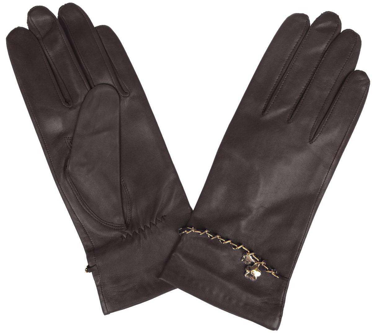 Перчатки женские. HP294HP294Стильные женские перчатки Eleganzza не только защитят ваши руки от холода, но и станут великолепным украшением. Перчатки выполнены из натуральной кожи ягненка на шелковой подкладке. На тыльной стороне имеется небольшая сборка резинкой для того, чтобы перчатки лучше сидели. Оформлено изделие цепочкой, переплетенной с кожаным ремешком и украшенной подвеской в виде цветочков. В настоящее время перчатки являются неотъемлемой принадлежностью одежды, вместе с этим аксессуаром вы обретаете женственность и элегантность. Перчатки станут завершающим и подчеркивающим элементом вашего стиля и неповторимости.