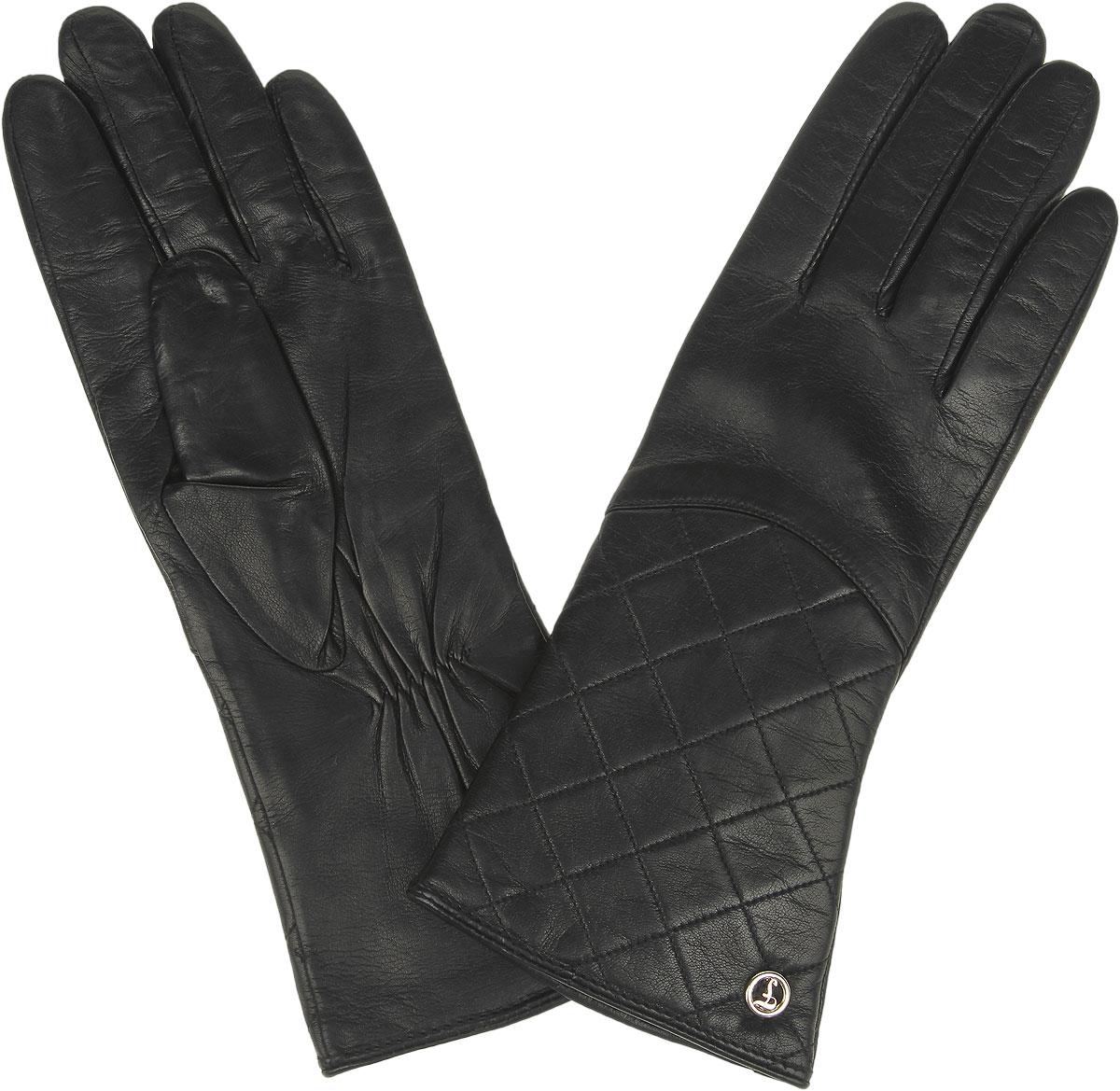 Перчатки женские. 9.16-19.16-1_blackСтильные женские перчатки Fabretti не только защитят ваши руки от холода, но и станут великолепным украшением. Перчатки выполнены из натуральной кожи с подкладкой из шерсти с добавлением кашемира. Лицевую сторону украшает декоративная ромбовидная отсрочка и фурнитура с фирменным логотипом. Запястье оснащено небольшой резинкой, фиксирующей модель на руке. Перчатки Fabretti станут завершающим и подчеркивающим элементом вашего стиля.