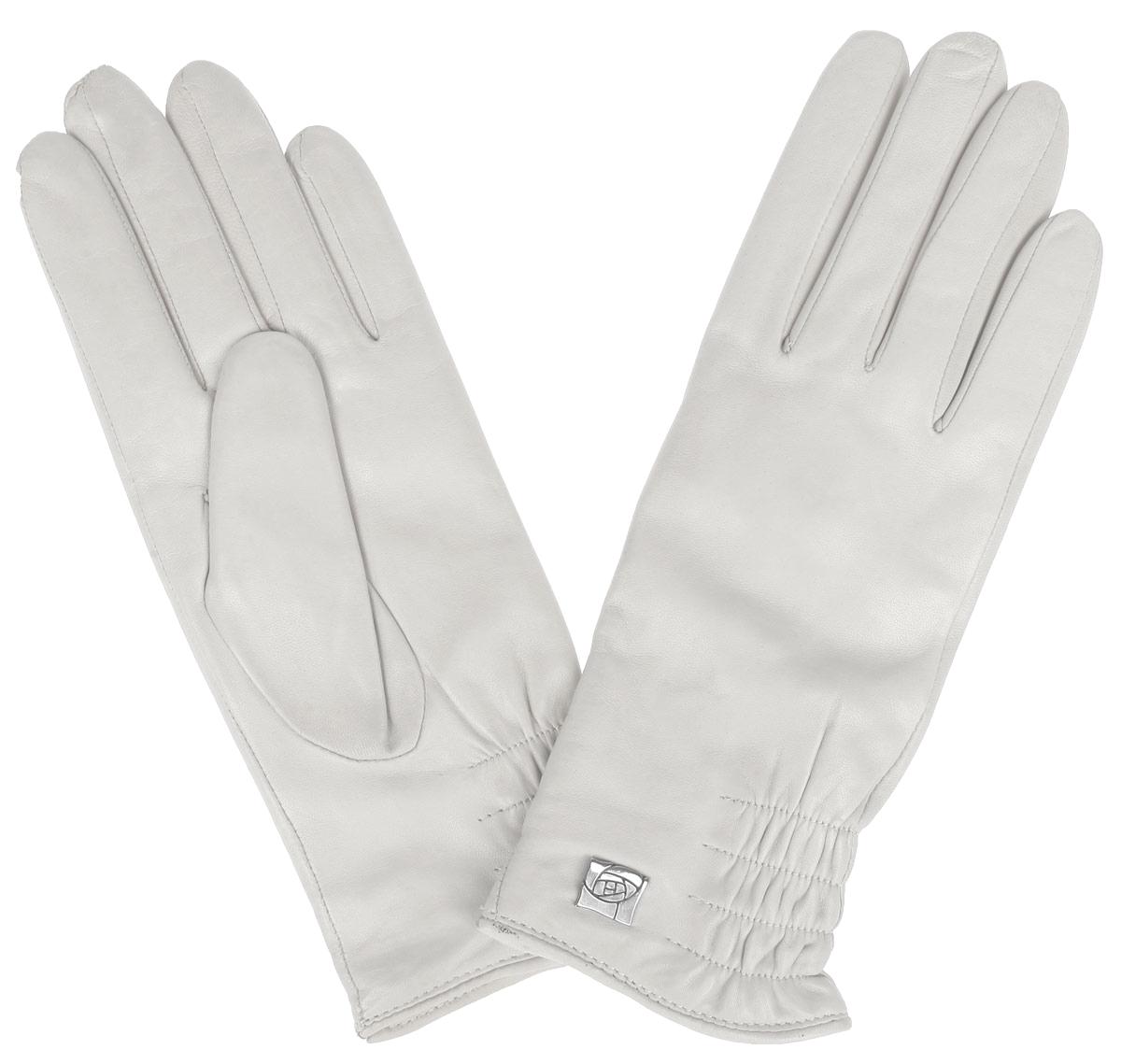 ПерчаткиIS889Стильные женские перчатки Eleganzza не только защитят ваши руки от холода, но и станут великолепным украшением. Перчатки выполнены из натуральной кожи на подкладке из 100% шерсти. Модель украшена декоративной резинкой и элегантным украшением в виде розы. В настоящее время перчатки являются неотъемлемой принадлежностью одежды, вместе с этим аксессуаром вы обретаете женственность и элегантность. Перчатки станут завершающим и подчеркивающим элементом вашего стиля и неповторимости.