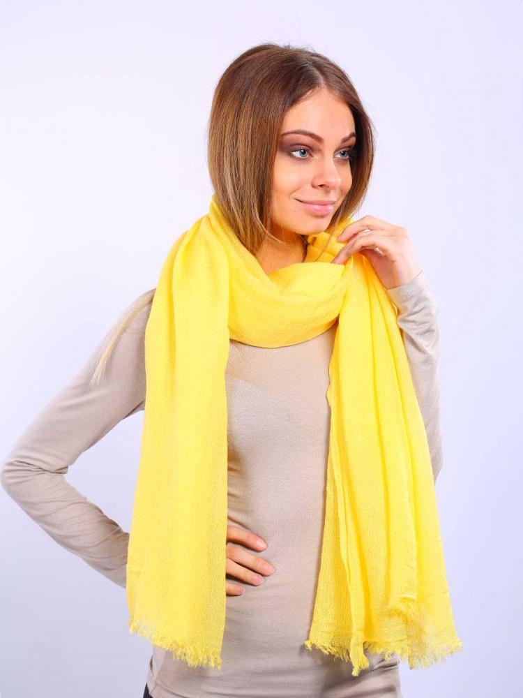 Палантин2713401-02Элегантный палантин Venera подчеркнет ваш неповторимый образ. Привлекательное изделие, которое как нельзя будет, кстати, в холодные сезоны и с повседневной одеждой. Мягкий женский палантин, однотонный, имеет простенький, но и одновременно стильный дизайн, а приятная текстура ткани еще и очень комфортная и уютная.