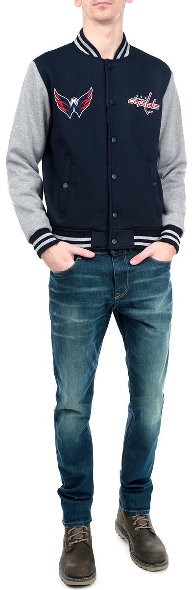 57070Мужская куртка NHL Washington Capitals, изготовленная из полиэстера и хлопка, очень мягкая и приятная на ощупь, не сковывает движения, обеспечивая наибольший комфорт. Подкладка изделия выполнена из полиэстера. Куртка с небольшим воротником-стойкой и длинными рукавами застегивается на кнопки по всей длине. Снизу модели предусмотрена широкая мягкая резинка, которая предотвращает проникновение холодного воздуха. Рукава дополнены эластичными манжетами. Спереди расположены два втачных кармана на кнопках. Изделие оформлено нашивками с символикой хоккейного клуба Washington Capitals. Теплая и стильная куртка подарит вам комфорт и станет отличным дополнением к вашему гардеробу.