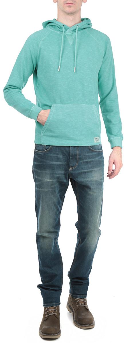 Толстовка2529767.63.12_3509Стильная мужская толстовка Tom Tailor Denim, изготовленная из хлопка с добавлением полиэстера, необычайно мягкая и приятная на ощупь, не сковывает движения, обеспечивая наибольший комфорт. Модель с капюшоном на кулиске и длинными рукавами. Толстовка имеет широкую трикотажную резинку по низу и манжетам, что предотвращает деформацию при носке и препятствует проникновению холодного воздуха. Спереди модель дополнена вместительным карманом-кенгуру. Эта модная и в тоже время комфортная толстовка отличный вариант как для активного отдыха, так и для занятий спортом!