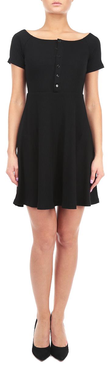 Платье. CK2309CK2309 BlackЭлегантное платье Glamorous, выполненное из натурального хлопка с добавление эластана, преподносит все достоинства женской фигуры в наиболее выгодном свете. Модель с воротником-лодочкой и короткими рукавами спереди застегивается на пластиковые пуговицы. Благодаря свойствам используемого материала изделие практически не сминается. Это стильное платье станет отличным дополнением к вашему гардеробу!
