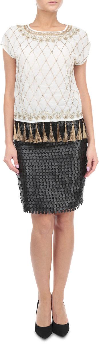 Блузка. KA4254KA4254_CREAM/GOLD EMBELLISHEDКрасивая блузка Glamorous, выполненная из полиэстера, станет замечательным дополнением к вашему гардеробу. Легкий полупрозрачный материал обеспечит вам не только комфорт, но и придаст вашему образу воздушность и романтичность. Блузка прямого кроя с круглым вырезом горловины застегивается сзади на пуговицу. Лицевая сторона модели расшита по всей поверхности бисером и стразами. По низу изделие декорировано кисточками с бусинами. Стильная блузка дополнит ваши образ и подчеркнет индивидуальность.
