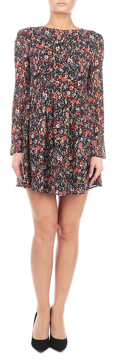 Платье. CK2061CK2061 BLK RED POPPYЭлегантное и невероятно легкое платье Glamorous, выполненное из полупрозрачного материала с цветочным принтом, преподносит все достоинства женской фигуры в наиболее выгодном свете. Модель с круглым вырезом горловины и длинными рукавами на спинке застегивается на скрытую застежку-молнию и дополнительно на пуговицу. Втачные рукава чуть присборены в верхней части канта. Благодаря свойствам используемого материала изделие практически не сминается. Это яркое платье станет отличным дополнением к вашему гардеробу!