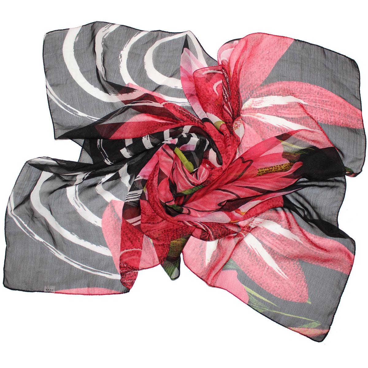 524040нПлаток Ethnica, выполненный из вискозы, гармонично дополнит образ современной женщины. Благодаря своему составу, он легкий, мягкий и приятный на ощупь. Модель оформлена крупным цветочным принтом. Классическая квадратная форма позволяет носить платок на шее, украшать им прическу или декорировать сумочку. С таким платком вы всегда будете выглядеть женственно и привлекательно.