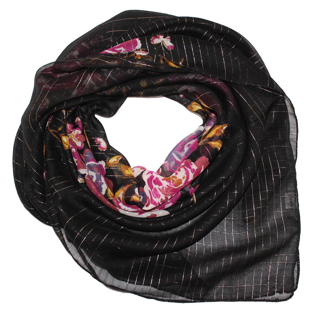 Платок524040нПлаток Ethnica, выполненный из вискозы, гармонично дополнит образ современной женщины. Благодаря своему составу, он легкий, мягкий и приятный на ощупь. Модель оформлена цветочным принтом, декорирована блестящей металлизированной нитью по всей поверхности. Классическая квадратная форма позволяет носить платок на шее, украшать им прическу или декорировать сумочку. С таким платком вы всегда будете выглядеть женственно и привлекательно.