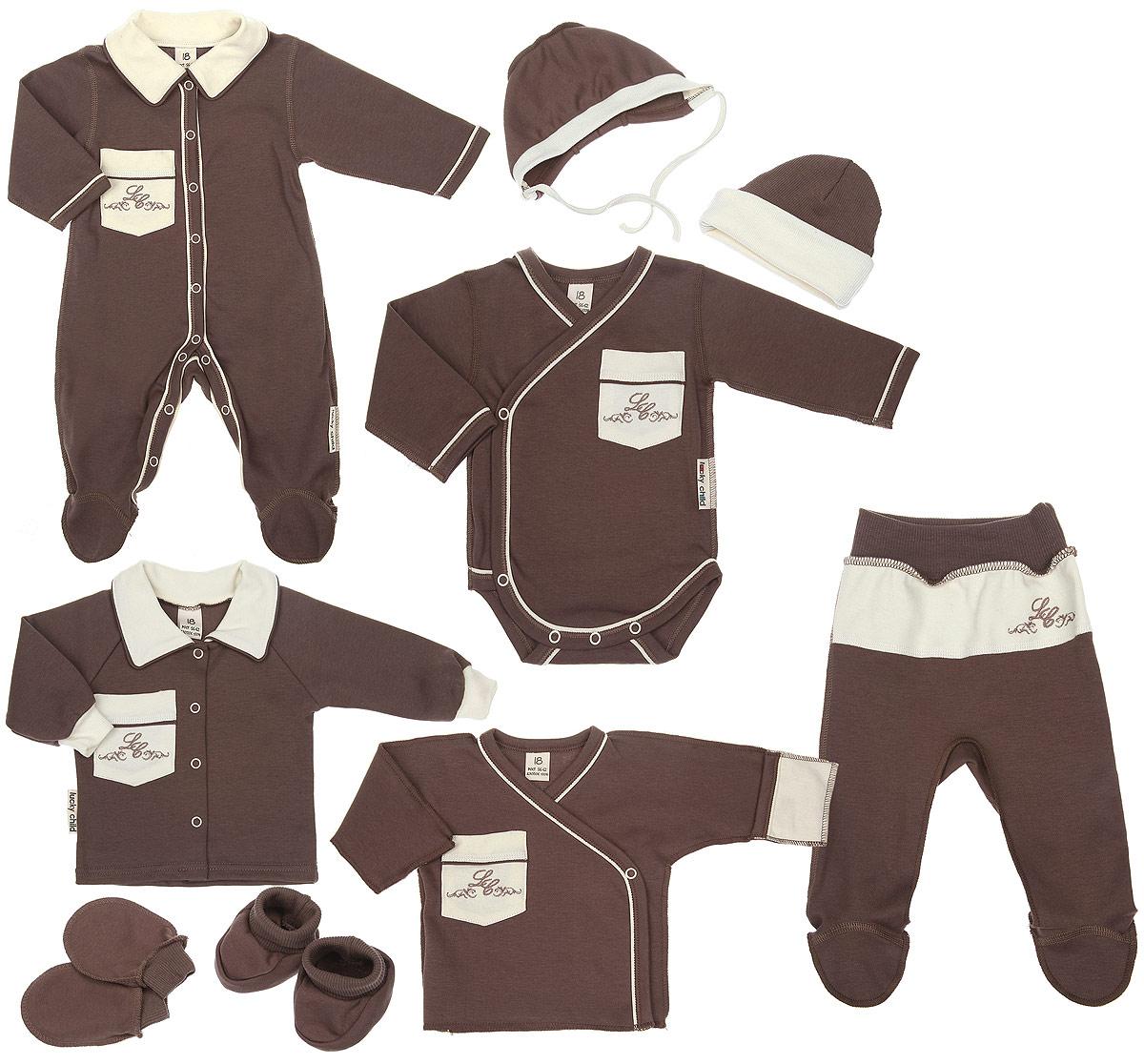 Комплект одежды20-1000Комплект для новорожденного Lucky Child Классик - это замечательный подарок, который прекрасно подойдет для первых дней жизни младенца. Комплект состоит из комбинезона, боди-кимоно, распашонки-кимоно, кофточки, ползунков, шапочки, чепчика, рукавичек и пинеток. Изготовленный из натурального хлопка, он необычайно мягкий и приятный на ощупь, не сковывает движения ребенка и позволяет коже дышать, не раздражает даже самую нежную и чувствительную кожу ребенка, обеспечивая ему наибольший комфорт. Комбинезон с длинными рукавами, отложным воротником контрастного цвета и закрытыми ножками имеет застежки-кнопки от горловины до пяточек, которые помогают легко переодеть младенца или сменить подгузник. На груди изделие дополнено накладным кармашком, украшенным вышивкой. Швы выполнены наружу. Удобное боди-кимоно с длинными рукавами и V-образным вырезом горловины имеет удобные застежки- кнопки по принципу кимоно, а также кнопки на ластовице, которые помогают легко...