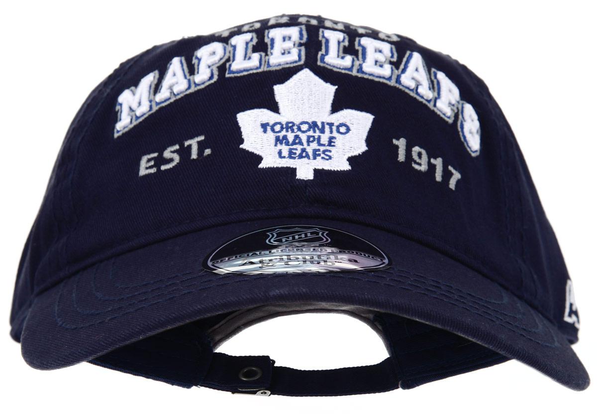 Бейсболка детская Toronto Maple Leafs. 2903929039Практичная и удобная бейсболка NHL Toronto Maple Leafs, выполненная из высококачественного хлопка, идеально подойдет вашему ребенку для активного отдыха и обеспечит надежную защиту головы от солнца. Бейсболка дополнена широким твердым козырьком и оформлена вышивкой в виде эмблемы профессиональной хоккейной команды Toronto Maple Leafs, а также вышитыми надписями. Кепка имеет перфорацию, обеспечивающую необходимую вентиляцию. Объем изделия регулируется металлическим фиксатором. Такая бейсболка станет отличным аксессуаром для занятий спортом или дополнит повседневный образ вашего ребенка.