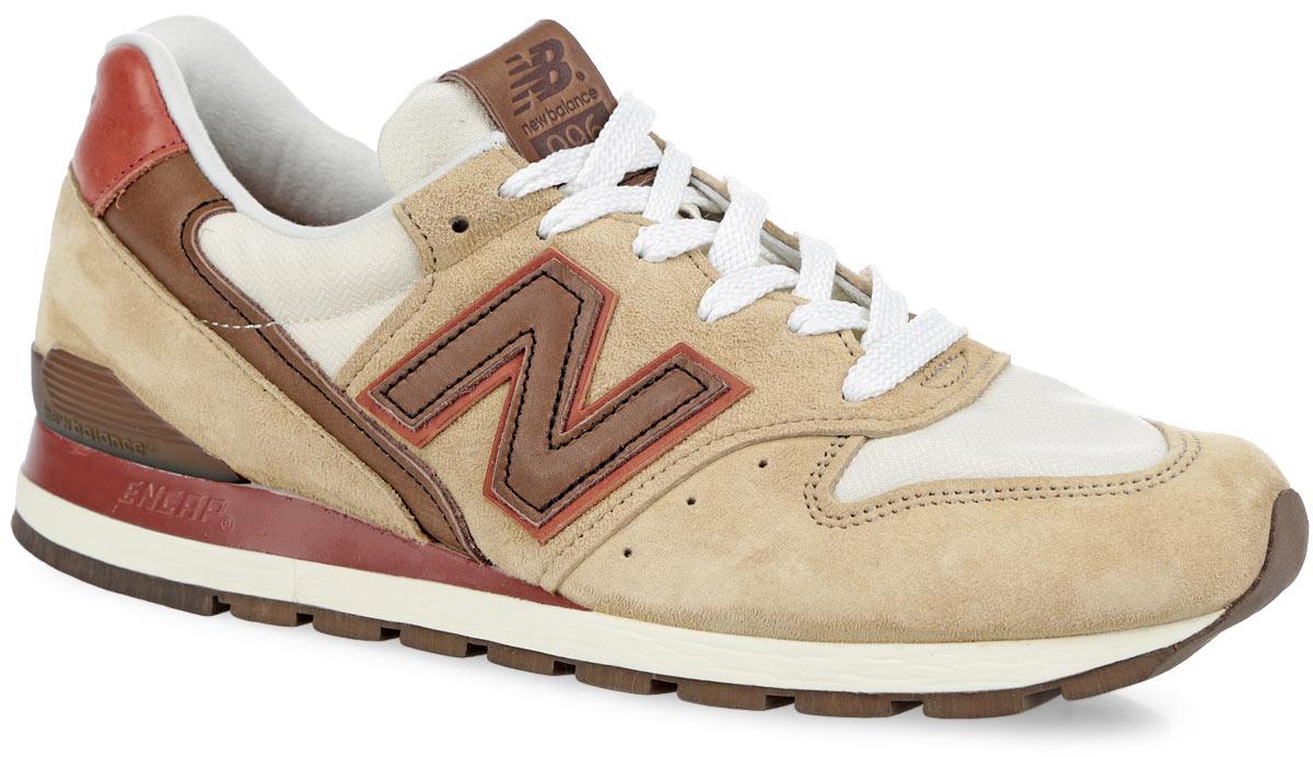 Кроссовки мужские 996. M996DCB/DM996DCB/DМужские кроссовки New Balance 996 выполнены из комбинации натуральной кожи, натуральной замши и текстиля. Верх изделия декорирован классической шнуровкой, которая надежно фиксирует модель на ноге и регулирует объем. Подкладка и анатомическая стелька с легкой перфорацией, исполненные из текстиля, обеспечат ногам комфорт и уют. Легкая и упругая пена из EVA в области пятки и на язычке, разработанная по технологии Encap, обеспечивает оптимальную амортизацию. По бокам и на заднике изделие декорировано логотипом бренда. Язычок, выполненный из текстиля, оформлен оригинальной нашивкой из кожи. Дополнительные вставки в области мыса и пятки обеспечивают прочность и долговечность изделия. Подошва с рифлением обеспечивает идеальное сцепление с любыми поверхностями. Удобные кроссовки - выбор истинных ценителей активного образа жизни.