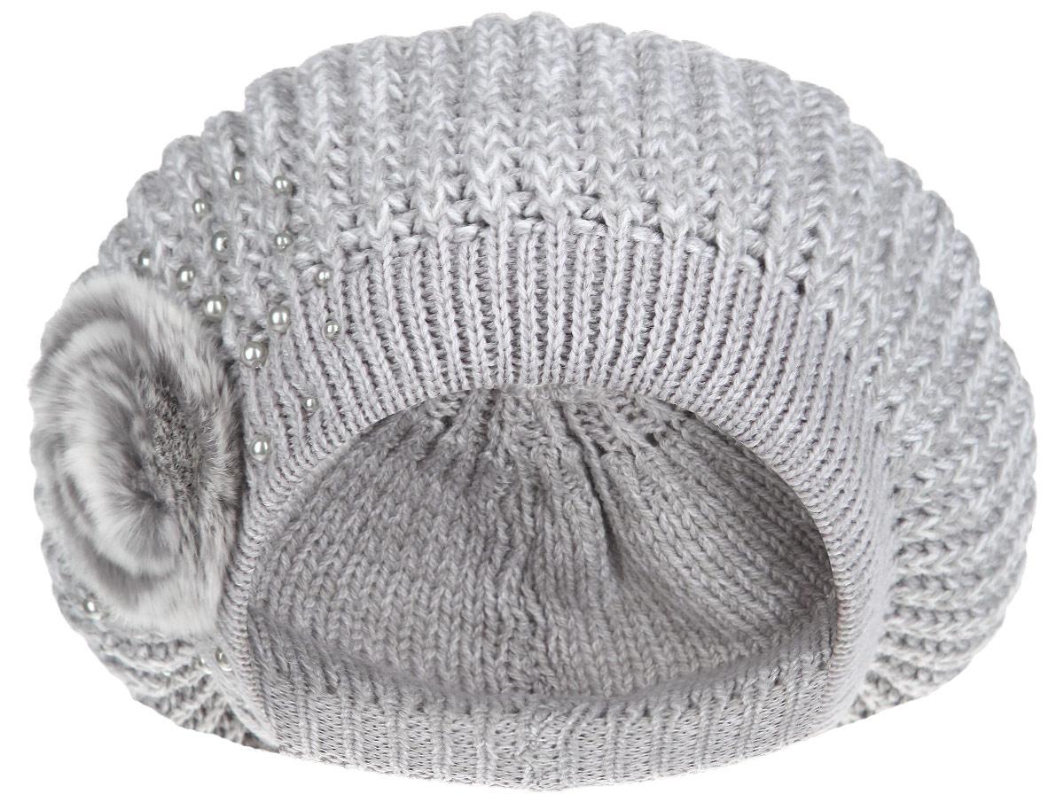 Берет1-008_008Женский вязаный берет Flioraj отлично дополнит ваш образ в холодную погоду. Двойная модель выполнена из шерсти с добавлением акрила, она мягкая и приятная на ощупь, идеально прилегает к голове, благодаря вязаной эластичной резинке по краю. Декорирован берет элементом из натурального меха и бусинами. Такой теплый аксессуар надежно защитит от холода, подчеркнет вашу красоту и женственность. Уважаемые клиенты! Размер, доступный для заказа, является обхватом головы.