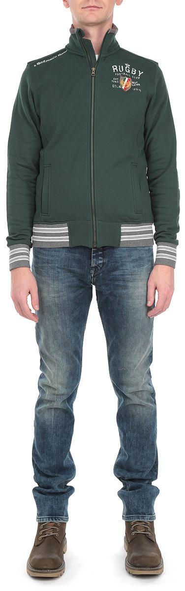 Толстовка мужская. 10482 717510482 7175 B148Стильная и уютная мужская толстовка WPM, изготовленная из 100% хлопка, мягкая и приятная на ощупь, обладает хорошей гигроскопичностью и позволяет коже дышать. Модель с воротником-стойкой и длинными рукавами не сковывает движений и обеспечивает наибольший комфорт. Толстовка дополнена двумя втачными карманами спереди, застегивается на застежку-молнию. Манжеты рукавов и низ толстовки оснащены эластичными резинками. Эта толстовка - настоящее воплощение комфорта, он послужит отличным дополнением к вашему гардеробу. В ней вы будете чувствовать себя уютно и уверенно.