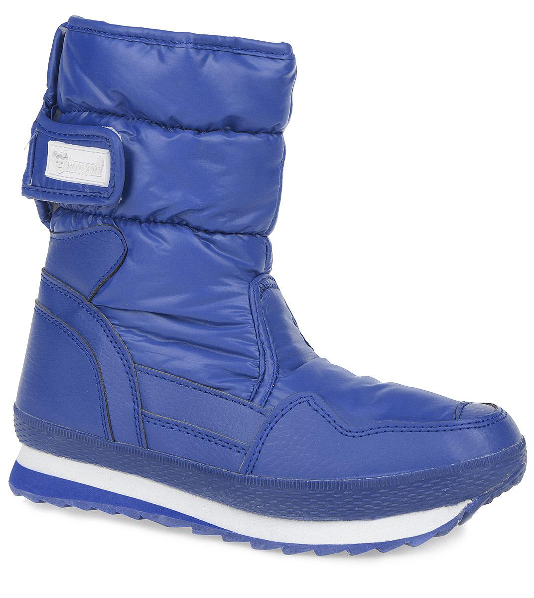 Дутики женские. RC825-2-19RC825-2-19/BLUEПрактичные и удобные женские дутики от Mon Ami - отличный вариант на каждый день. Модель выполнена из комбинации водоотталкивающей плащевой ткани и искусственной кожи. По ранту обувь дополнена вставкой из полимерного материала. Верх изделия оформлен двумя удобными застежками-липучками, которые надежно фиксируют модель на ноге и регулируют объем. Подкладка и анатомическая стелька, изготовленные из искусственного меха, согреют ноги в мороз и обеспечат уют. Сбоку дутики украшены нашивкой из ПВХ с логотипом бренда. Подошва из полимерного термопластичного материала - с противоскользящим рифлением. Удобные дутики придутся вам по душе.