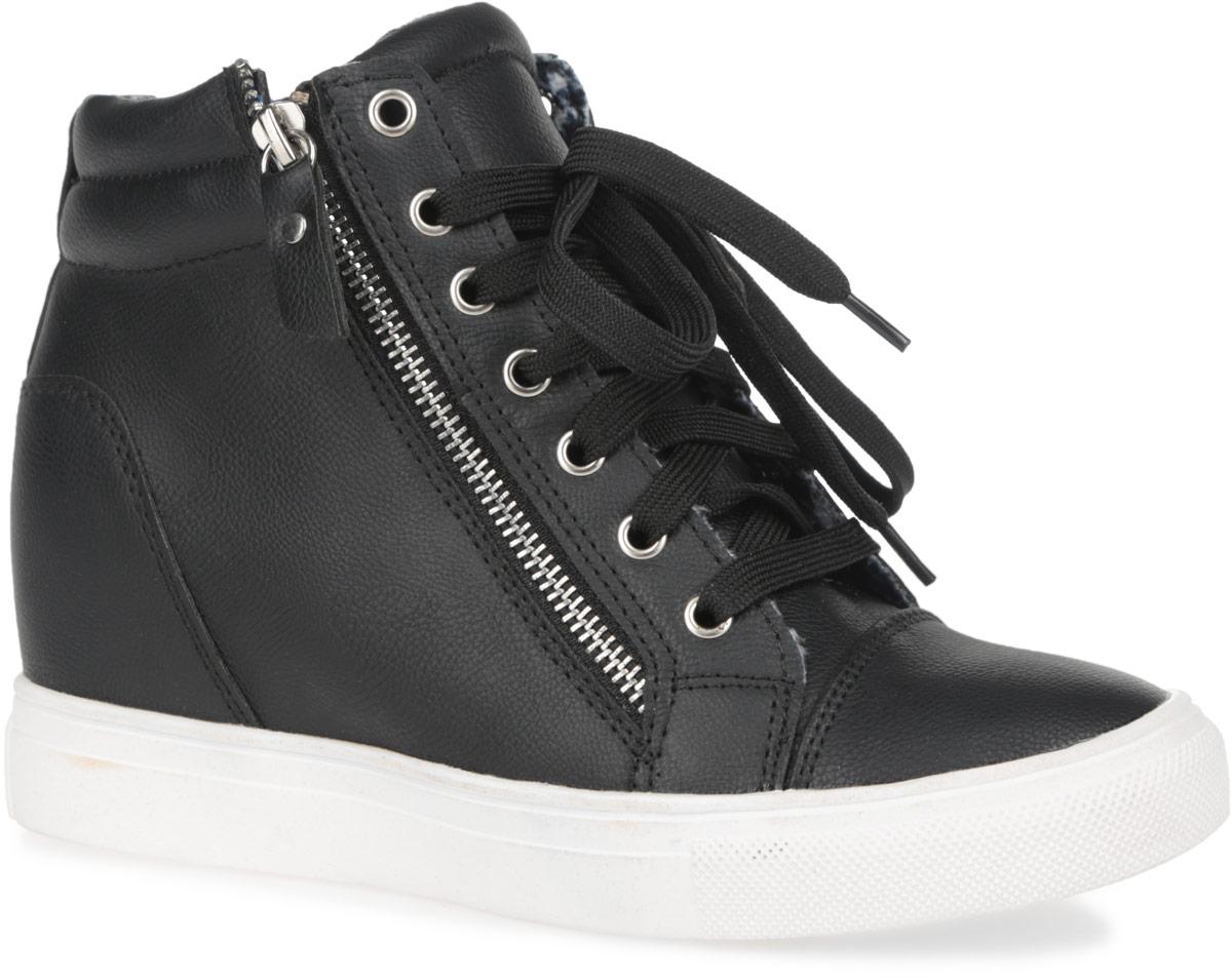 Сникерсы женские. 6028-16028-1/BLACKСтильные женские сникерсы Burlesque заинтересуют вас своим дизайном. Модель выполнена из искусственной кожи и дополнена по канту горизонтальной строчкой. Верх изделия оформлен шнуровкой, которая надежно зафиксирует обувь на ноге и отрегулирует объем. Подкладка, изготовленная из текстиля, и стелька - из ЭВА материала с покрытием из искусственной кожи, обеспечат ногам уют. По бокам сникерсы декорированы двумя металлическими молниями и украшены вставками с россыпью заклепок. Задник дополнен ярлычком, оформленным заклепками, для более удобного надевания обуви. Танкетка умеренной высоты - устойчива. Подошва из полимерного термопластичного материала с рельефным протектором обеспечивает отличное сцепление с любой поверхностью. В этих сникерсах вашим ногам будет комфортно и уютно. Они подчеркнут ваш стиль и индивидуальность.