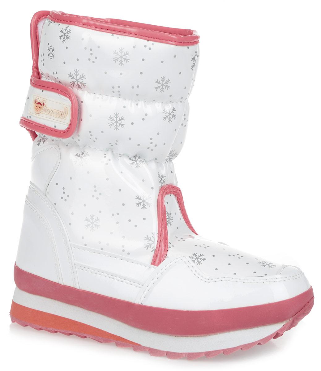 ДутикиRC825-2-59/WHITE+ROYALПрактичные и удобные женские дутики от Mon Ami - отличный вариант на каждый день. Модель выполнена из искусственной лаковой кожи с отделкой контрастного цвета и декорирована оригинальным рисунком в виде снежинок. По ранту обувь дополнена вставкой из полимерного материала. Верх изделия оформлен двумя удобными застежками-липучками, которые надежно фиксируют модель на ноге и регулируют объем. Подкладка и анатомическая стелька, изготовленные из искусственного меха, согреют ноги в мороз и обеспечат уют. Сбоку дутики украшены нашивкой из ПВХ с логотипом бренда. Подошва из полимерного термопластичного материала - с противоскользящим рифлением. Удобные дутики придутся вам по душе.