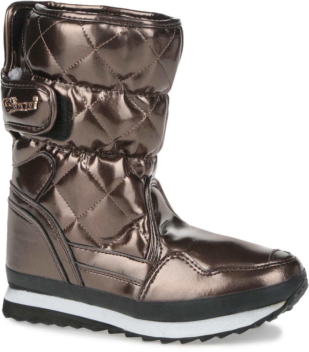 RC825-2-33/FUSHIAПрактичные и удобные дутики от Mon Ami - отличный вариант на каждый день. Модель выполнена из искусственной лаковой кожи и декорирована в области голенища стеганой прострочкой. По ранту обувь дополнена вставкой из полимерного материала. Верх изделия оформлен двумя удобными застежками-липучками, которые надежно фиксируют модель на ноге и регулируют объем. Подкладка и анатомическая стелька, изготовленные из искусственного меха, согреют ноги в мороз и обеспечат уют. Сбоку дутики украшены декоративным металлическим элементом в виде логотипа бренда. Подошва из полимерного термопластичного материала - с противоскользящим рифлением. Удобные дутики придутся вам по душе.