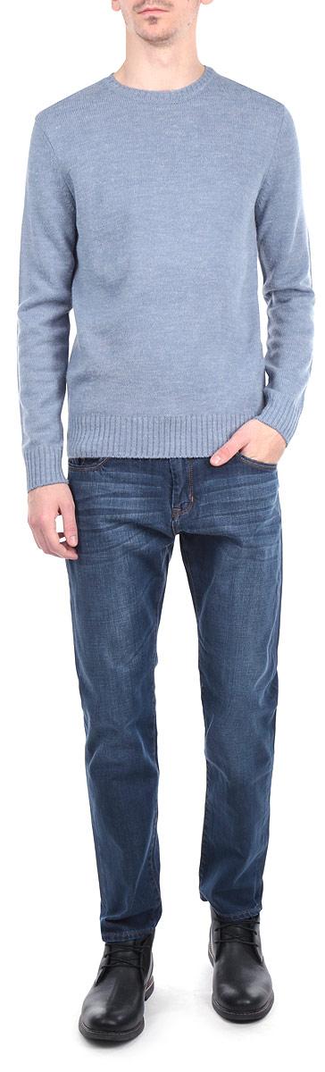 Джинсы мужские. HARRYHARRY/PUREBLUEСтильные мужские джинсы Lee Cooper - джинсы высочайшего качества на каждый день, которые прекрасно сидят. Модель зауженного к низу кроя и средней посадки изготовлена из высококачественного материала. Изделие оформлено контрастной отстрочкой. Застегиваются джинсы на пуговицу в поясе и ширинку на молнии, имеются шлевки для ремня. Спереди модель оформлены двумя втачными карманами и одним небольшим секретным кармашком, а сзади - двумя накладными карманами. Эти модные и в тоже время комфортные джинсы послужат отличным дополнением к вашему гардеробу. В них вы всегда будете чувствовать себя уютно и комфортно.