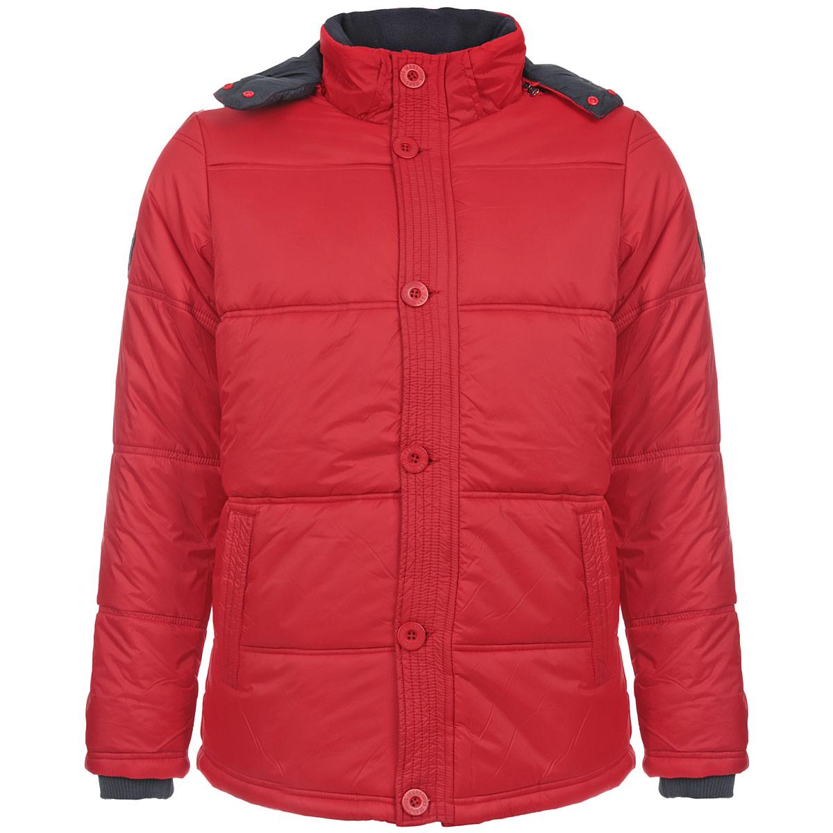 Куртка06839Стильная мужская куртка F5 - отличное решение для прохладной погоды. Куртка выполнена из непромокаемого полиэстера с утеплителем Silk Floss и дополнена отстегивающимся капюшоном на эластичной кулиске. Модель прямого кроя с воротником-стойкой застегивается на пластиковую молнию с защитой подбородка и имеет ветрозащитный клапан на пуговицах. Спереди куртка дополнена двумя втачными карманами на молниях. Внутренняя отделка карманов и воротника - мягкий флис. С внутренней стороны предусмотрен накладной карман на кнопке и вшитый карман на молнии. Рукава дополнены вшитыми трикотажными манжетами. На левом рукаве нашивка с логотипом бренда. По нижнему краю с изнаночной стороны расположена эластичная кулиска, защищающая от продувания. В такой куртке вам будет уютно, тепло и комфортно в любую погоду.